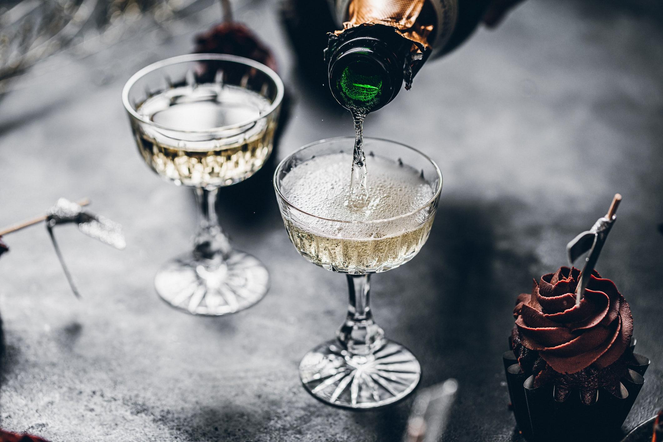 Alcohol Champagne Pour